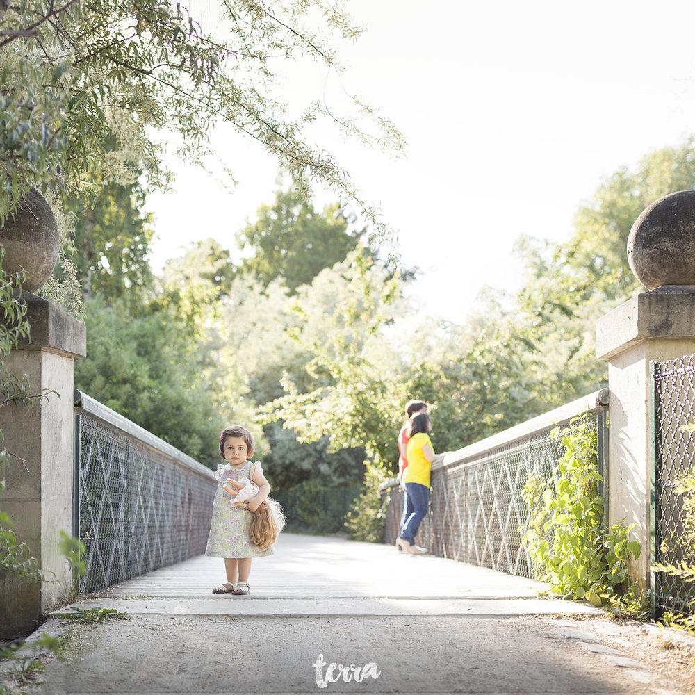 sessao-fotografica-familia-paris-frança-terra-fotografia-002.jpg