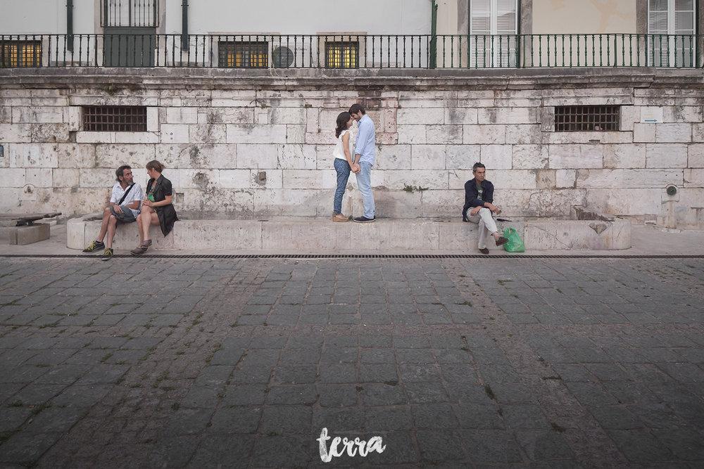engagement-session-alfama-lisboa-terra-fotografia-053.jpg