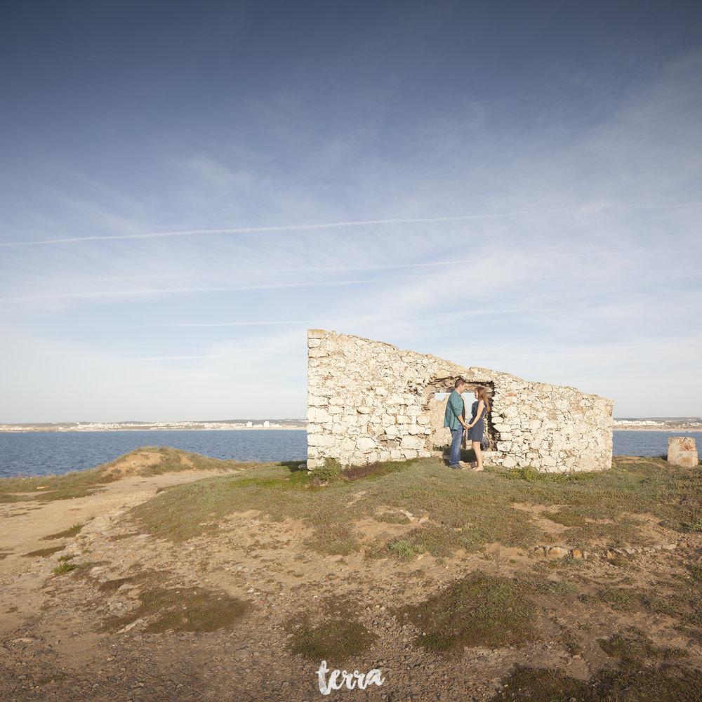 sessao-fotografica-casal-forte-luz-peniche-terra-fotografia-03.jpg