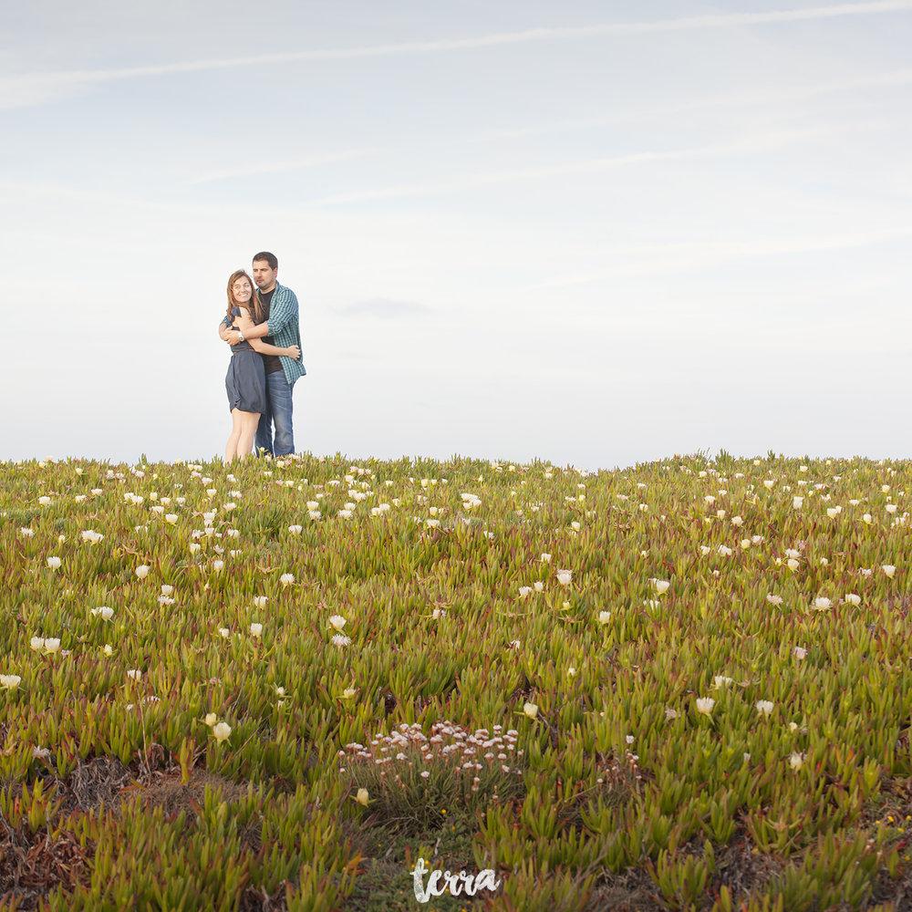 sessao-fotografica-casal-forte-luz-peniche-terra-fotografia-33.jpg
