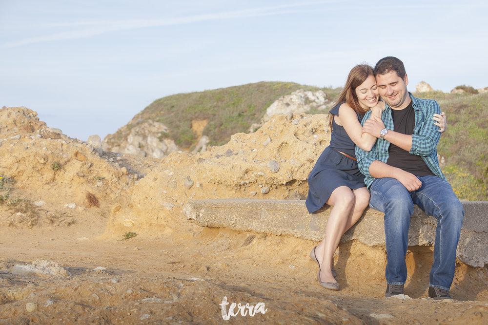 sessao-fotografica-casal-forte-luz-peniche-terra-fotografia-28.jpg