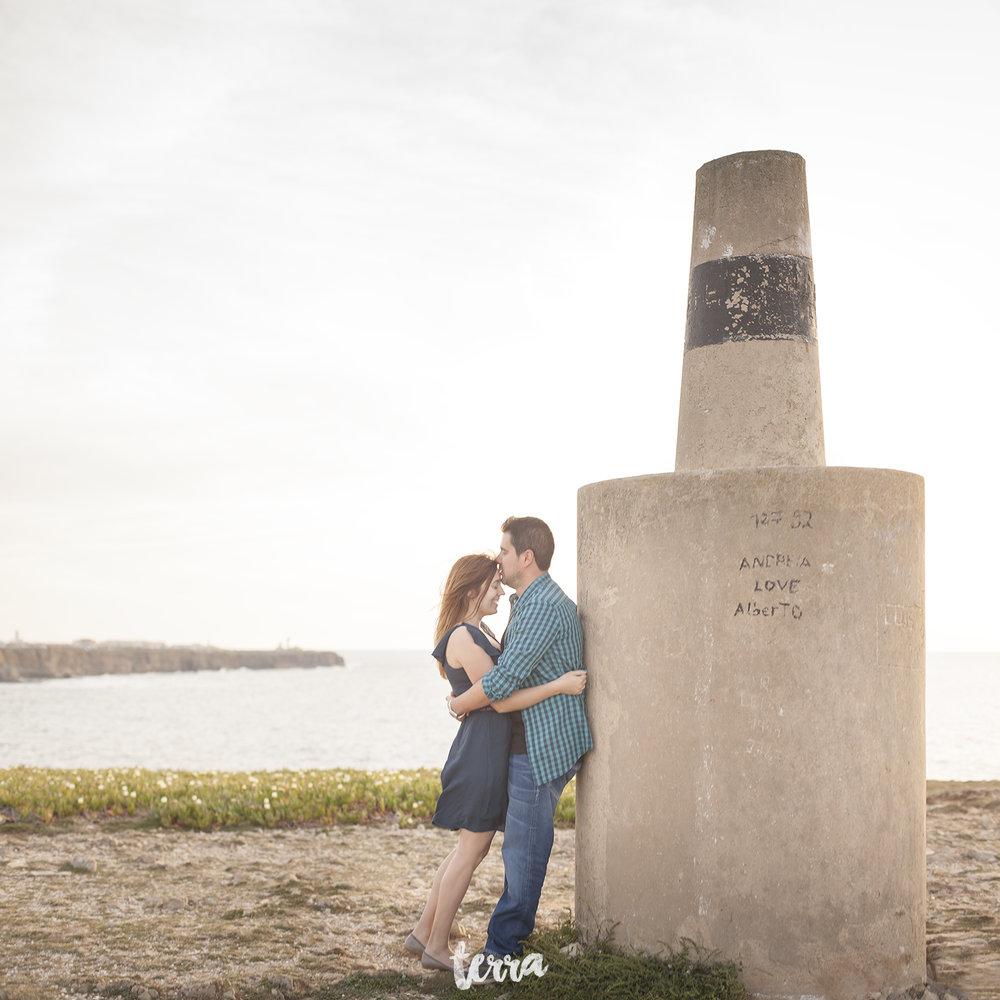 sessao-fotografica-casal-forte-luz-peniche-terra-fotografia-34.jpg