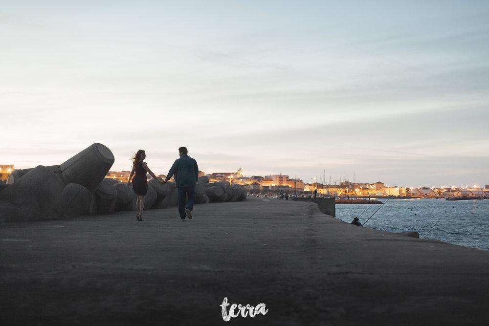 sessao-fotografica-casal-forte-luz-peniche-terra-fotografia-49.jpg
