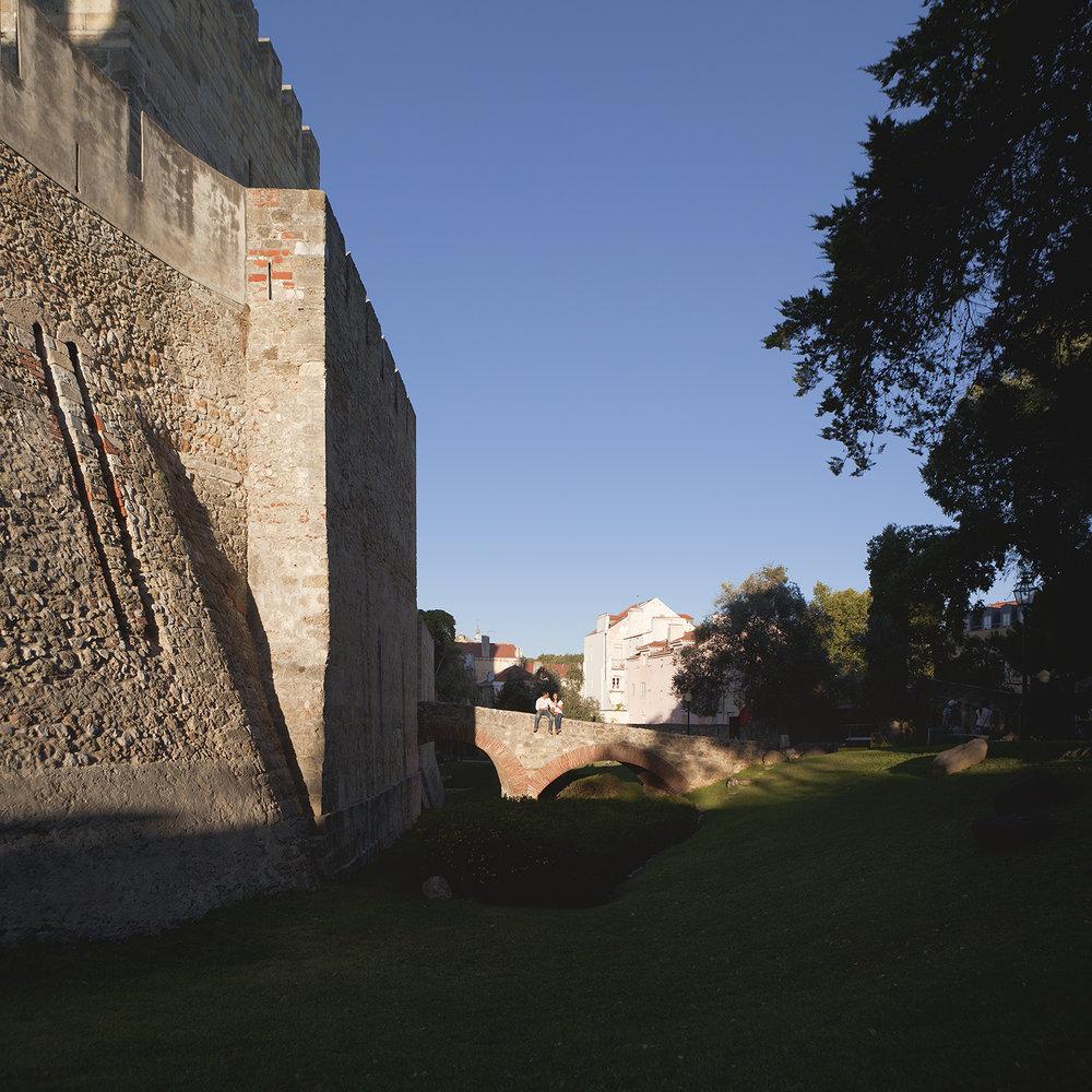 sessao-fotografica-pedido-casamento-flytographer-castelo-sao-jorge-lisboa-terra-fotografia-011.jpg