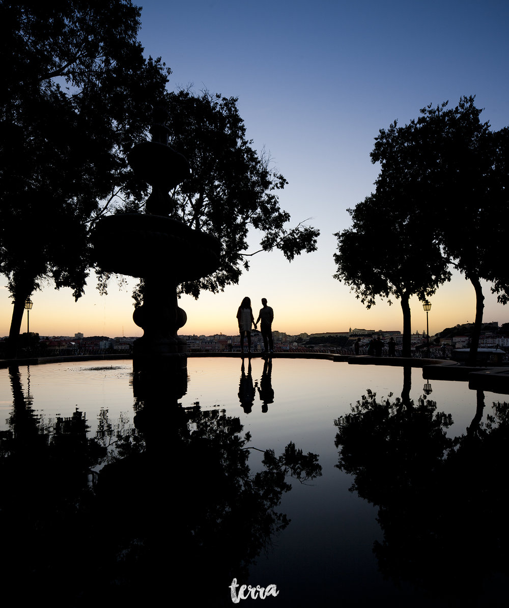 sessao-fotografica-casal-bairro-alto-lisboa-terra-fotografia-0001.jpg