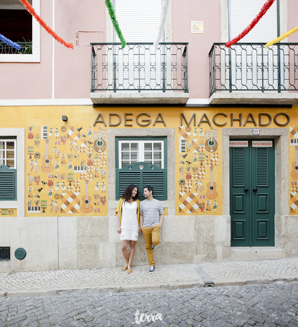 sessao-fotografica-casal-bairro-alto-lisboa-terra-fotografia-0041.jpg