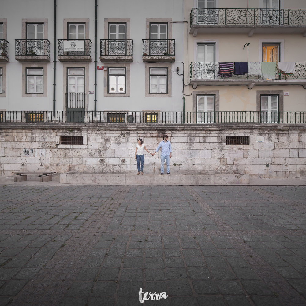 engagement-session-alfama-lisboa-terra-fotografia-051.jpg
