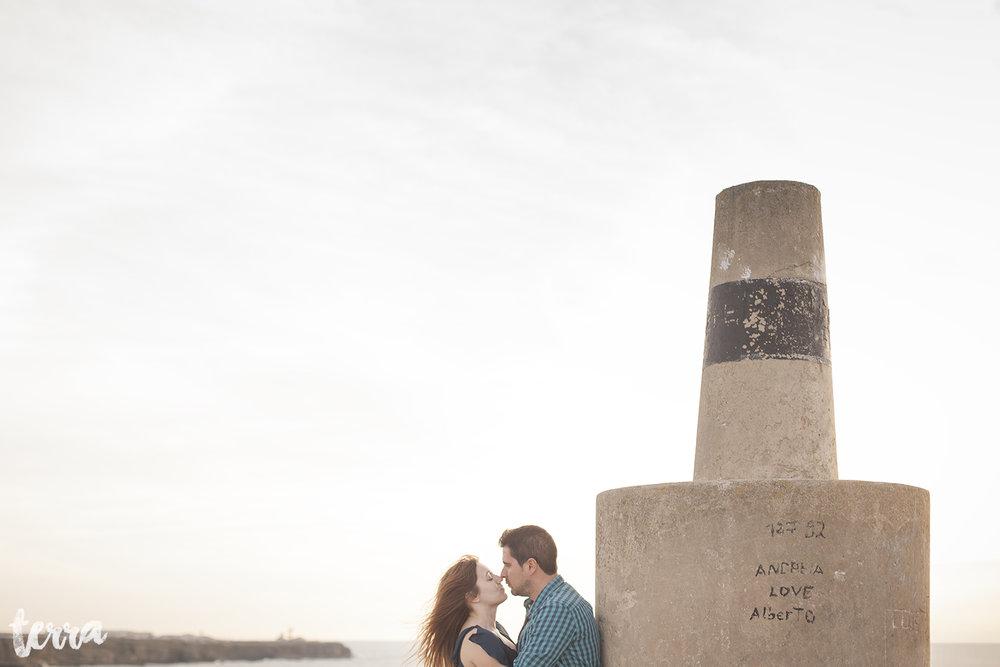 sessao-fotografica-casal-forte-luz-peniche-terra-fotografia-35.jpg