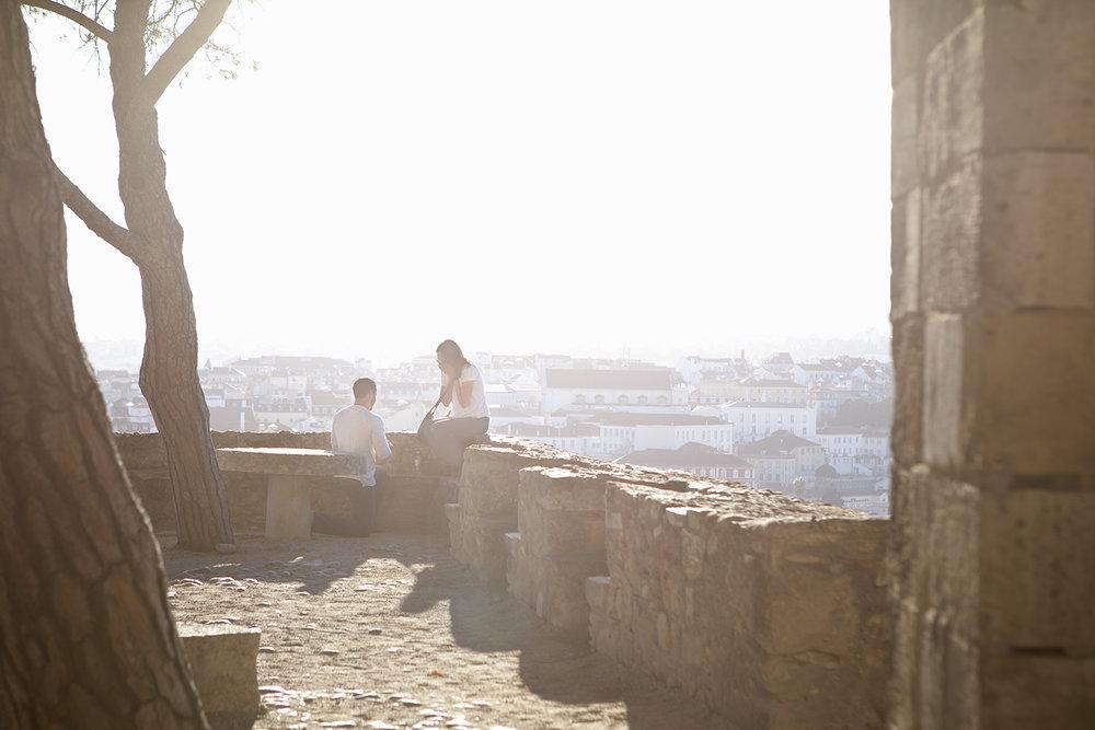 sessao-fotografica-pedido-casamento-flytographer-castelo-sao-jorge-lisboa-terra-fotografia-002.jpg