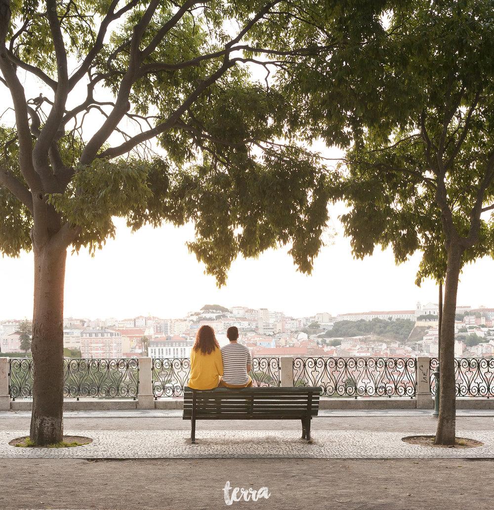sessao-fotografica-casal-bairro-alto-lisboa-terra-fotografia-0002.jpg