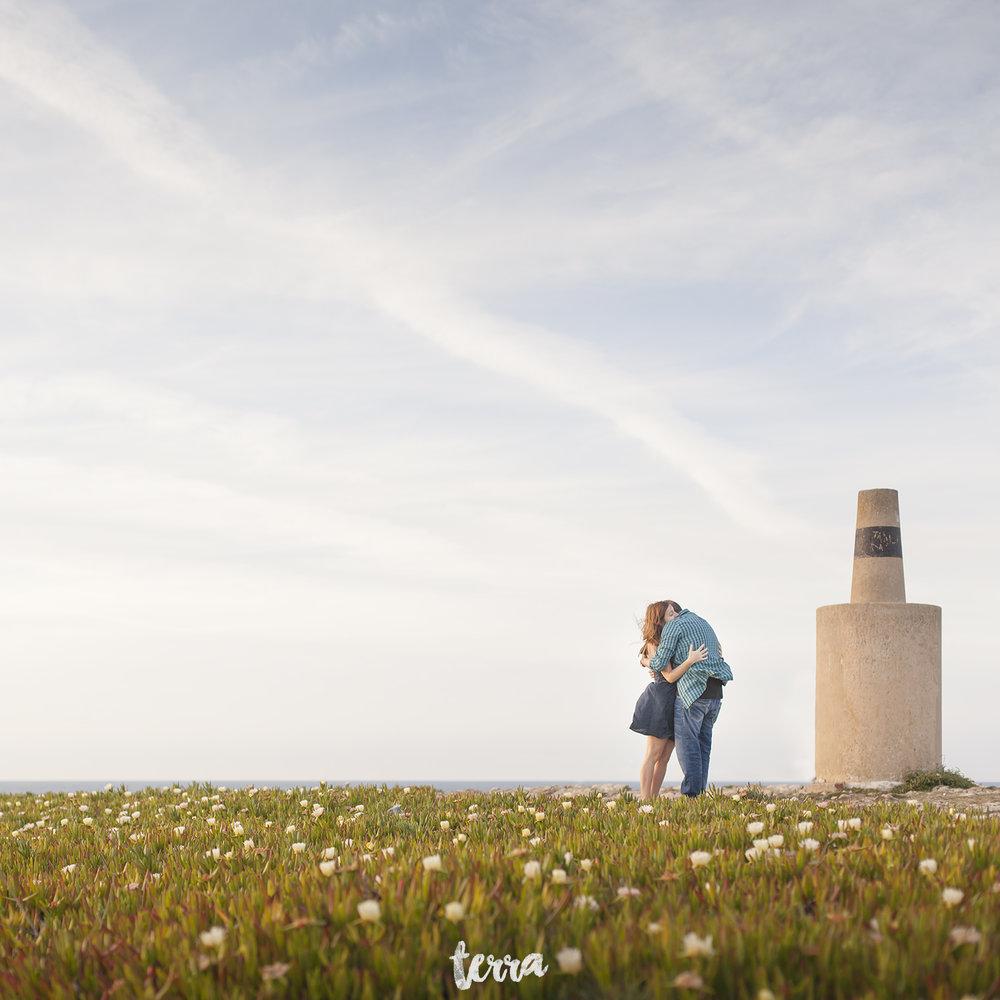 sessao-fotografica-casal-forte-luz-peniche-terra-fotografia-32.jpg
