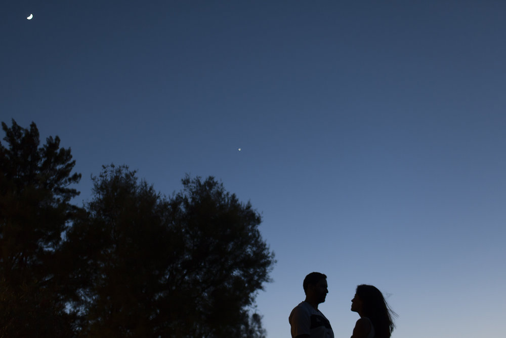 sessao-fotografica-casal-cais-ginjal-terra-fotografia-51.jpg