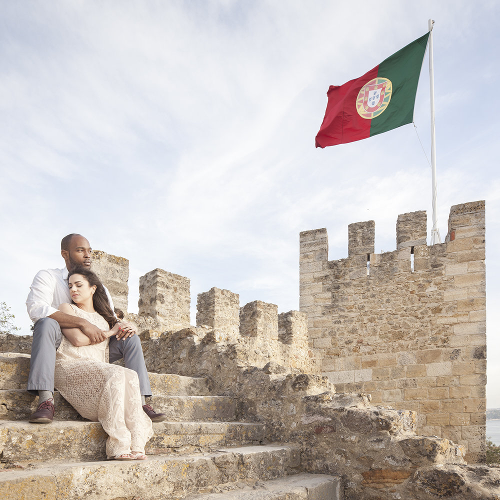 engagement-session-castelo-sao-jorge-lisboa-portugal-flytographer-terra-fotografia-28.jpg