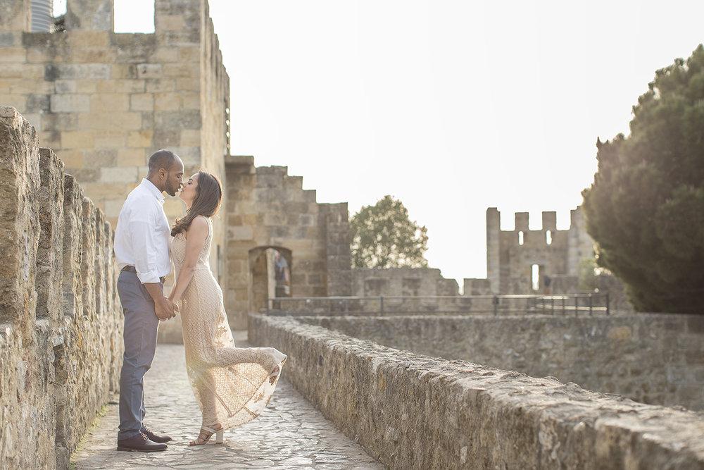 engagement-session-castelo-sao-jorge-lisboa-portugal-flytographer-terra-fotografia-45.jpg