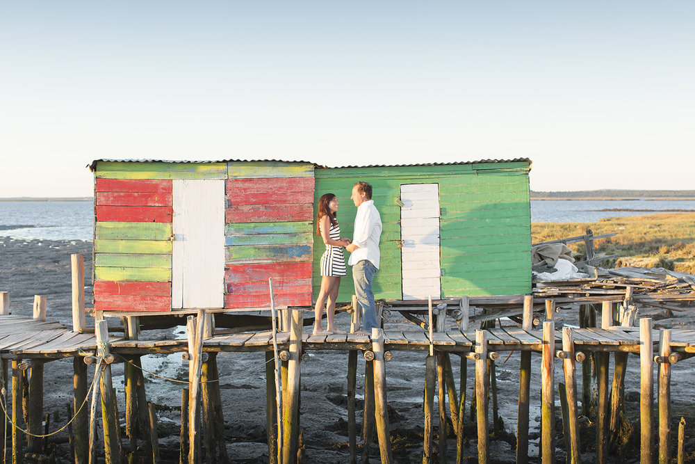 sessao-fotografica-casal-cais-palafitico-carrasqueira-comporta-terra-fotografia-08.jpg