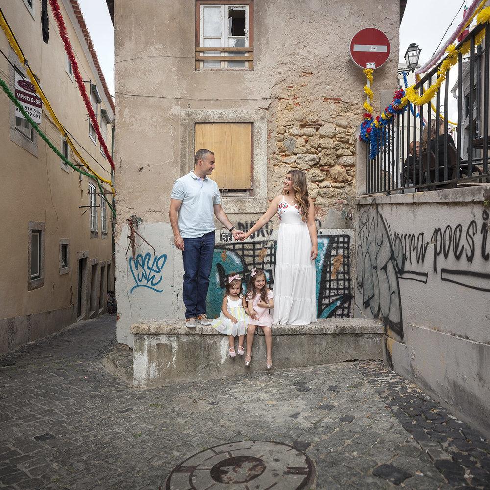 alfama-lisbon-family-photogapher-terra-fotografia-0017.jpg