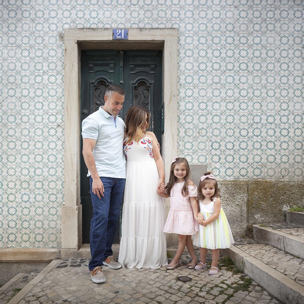 alfama-lisbon-family-photogapher-terra-fotografia-0005.jpg
