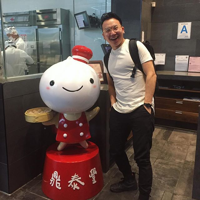 His first celebrity sighting in LA 😂 #dintaifung 🍽 #noms #latergram