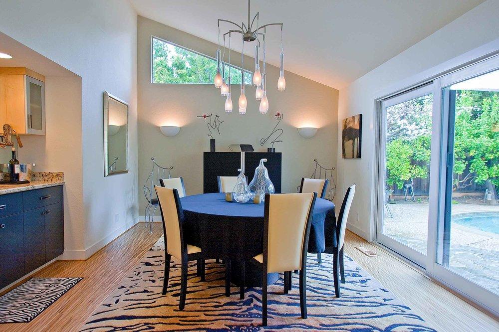 dining_room_angled_walls_black_color.jpg