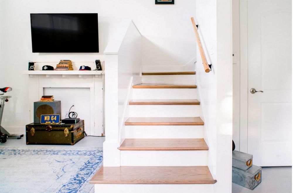airbnb_stairs.jpg