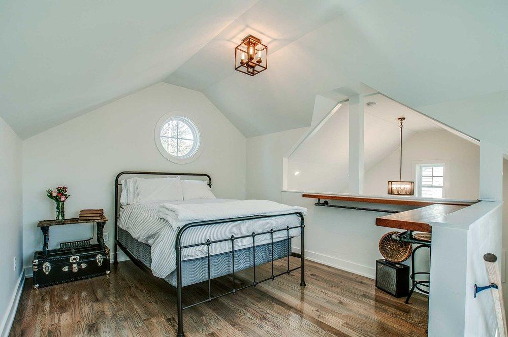 loft_bedroom.jpg