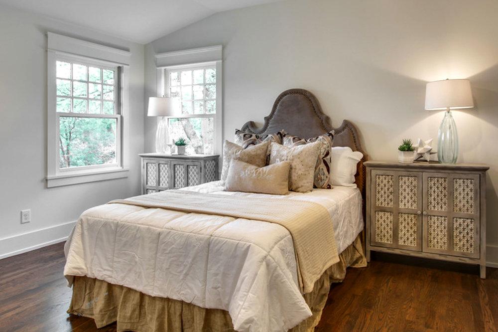 bedroom_upstairs.jpg