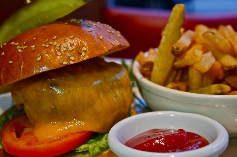 Deluxe Burger.jpg