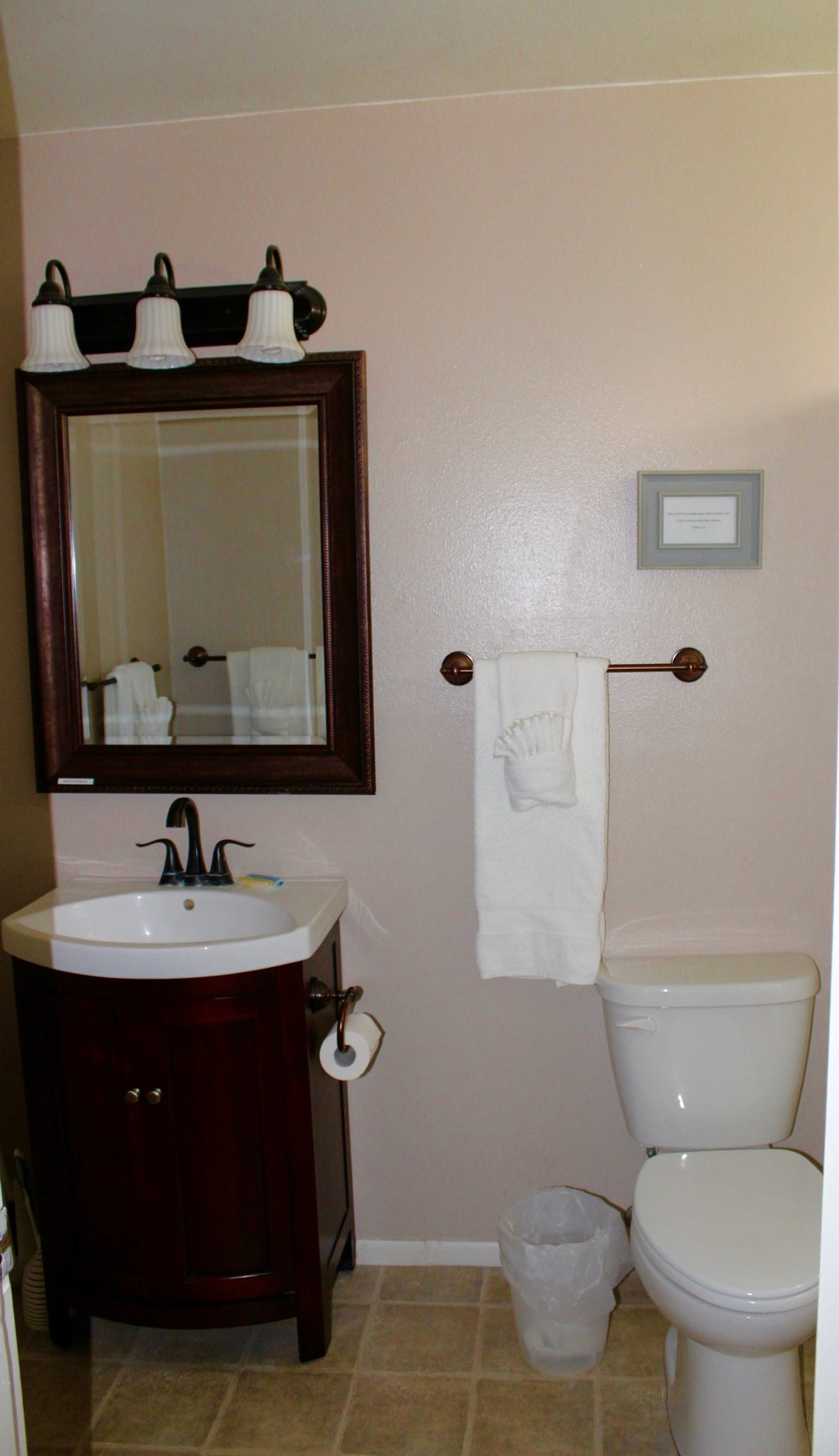 Unit 4 Partial Bathroom.JPG