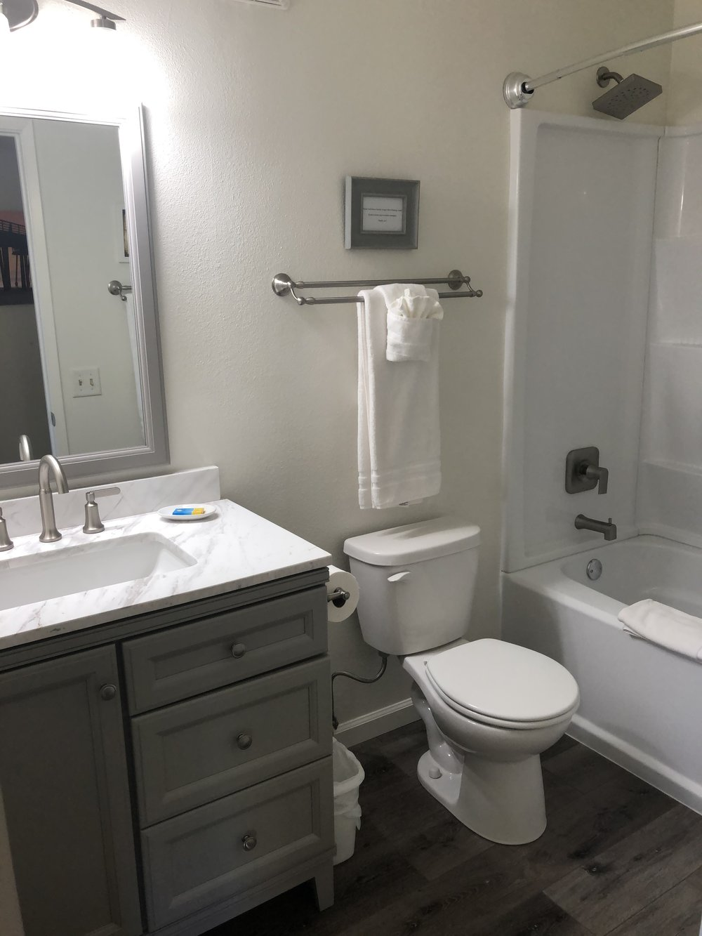 new bathroom 6.JPG