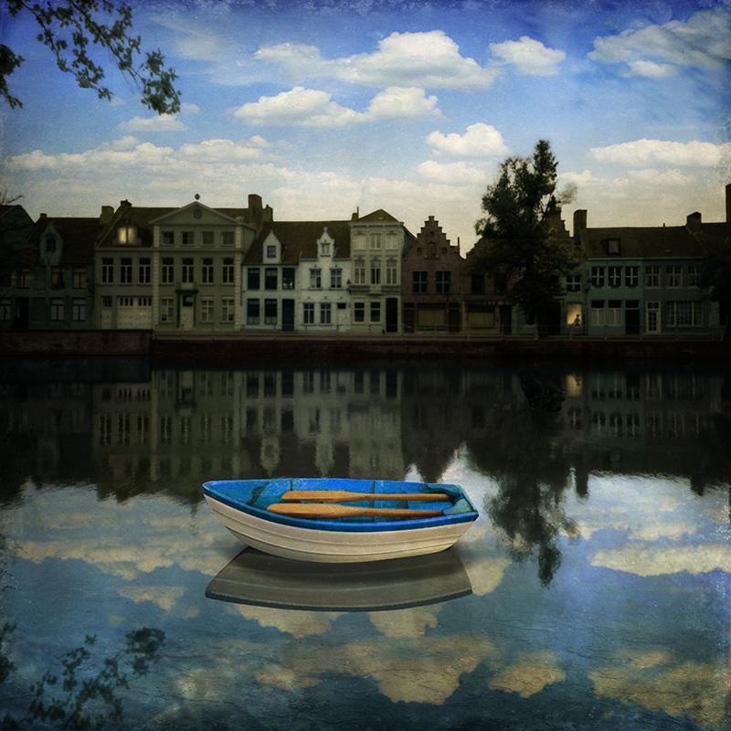 Small boat waiting