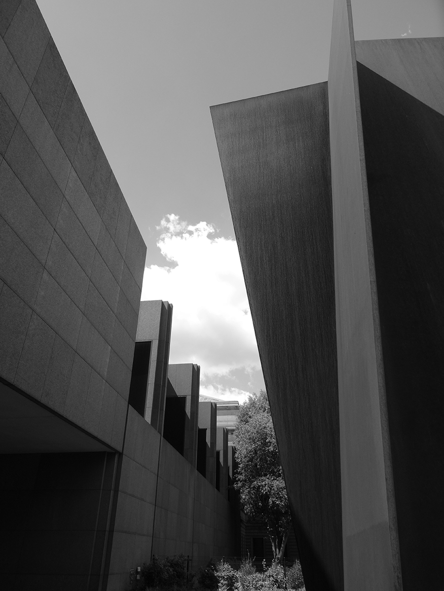 Carnegie , Richard Serra, 1985. Photo:  Aidan Wakely-Mulroney
