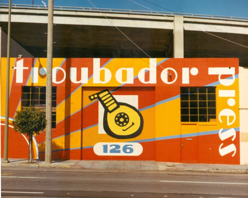 Troubador building at 126 Folsom Street, San Francisco. Supergraphics painted circa 1971-1972 by Gompers Saijo. (Photo: Malcolm Whyte)