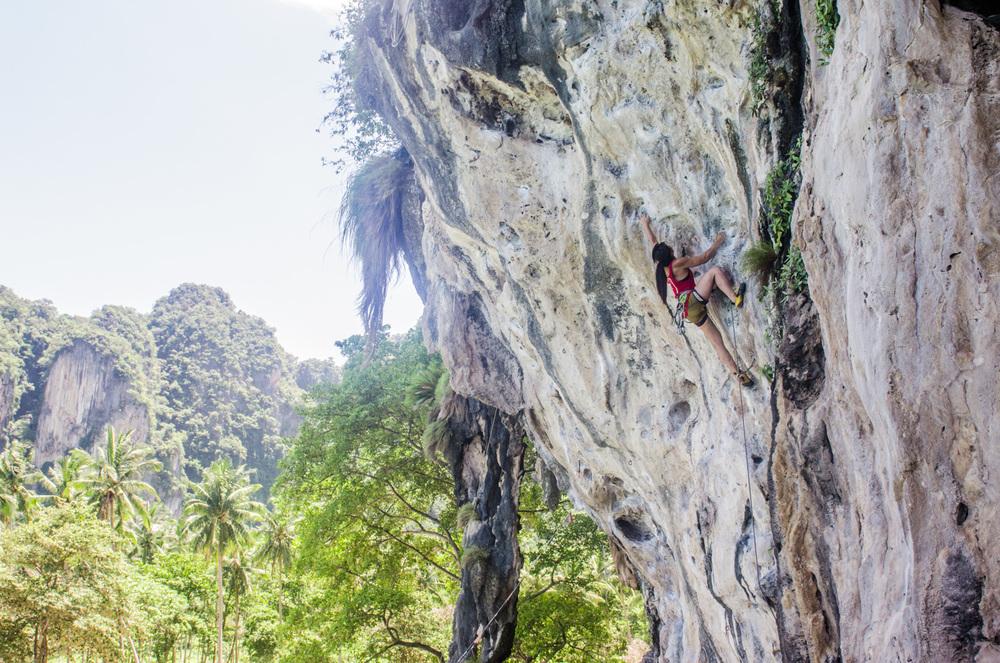 Tonsai-Thailand-RockClimbing-AmyRolloPhoto-3922.jpg