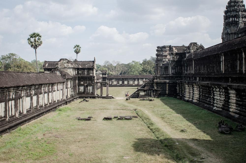 Cambodia-SiemReap-AngkorTemples-AmyRolloPhoto-155.jpg