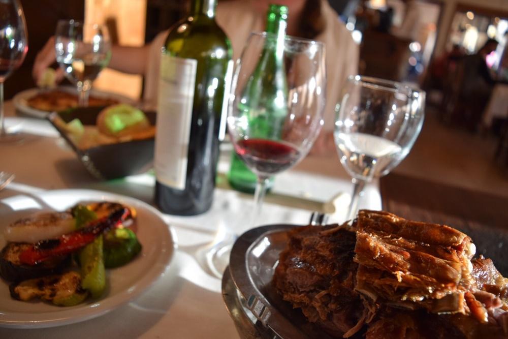 """Cordero (lamb) y verduras (veggies) en """"La Tablita"""" en El Calafate"""