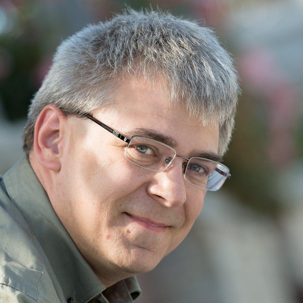 Stephen McNeil, winner of the 2019 CIC Award for Chemistry Education