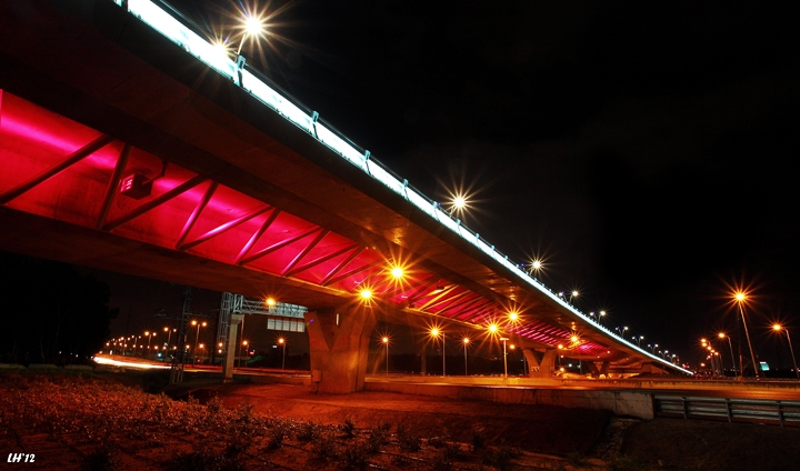 Em HaMoshavot Bridge