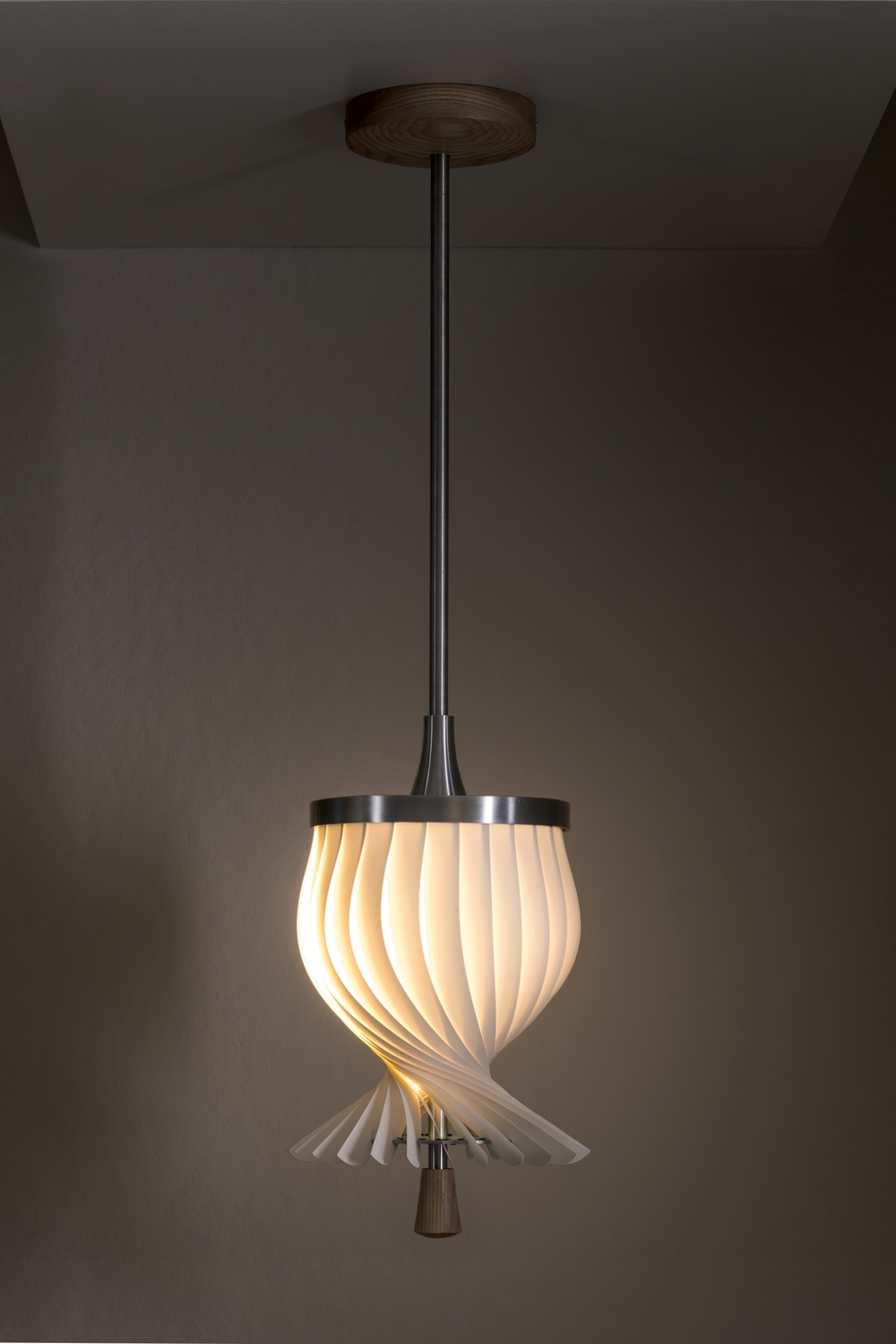 Twist Lamp Closed.jpg