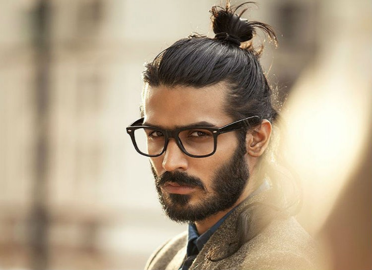 via http://pixgood.com/men-bun.html