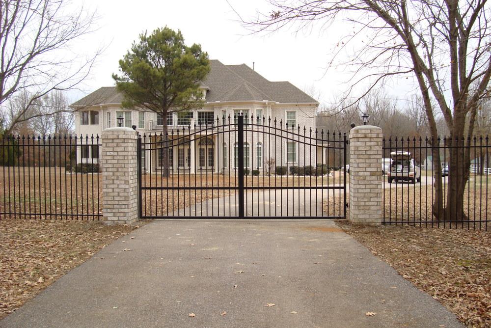 6' high standard gate.JPG