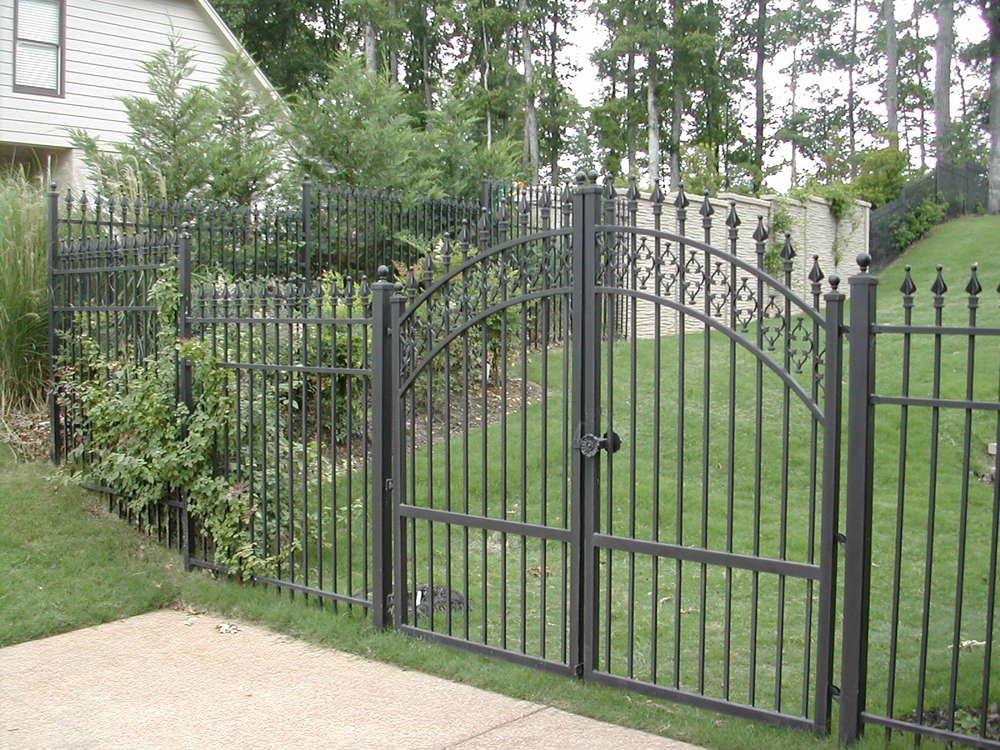 Manual Gate.JPG