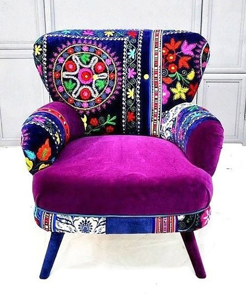 Which hippy spirit wouldn't want such furniture in their home? :) #patchwork #furniture #art #artblogger #cool #fbloggers #bblogger #design #interiordesign #colorful #colors #style #instastyle #instamood #instagood
