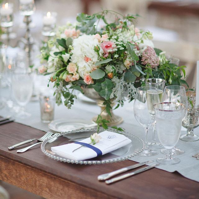 When you surround yourself with beauty, how can you ever be sad?  Floral by @atelierjoya | Photo by @jenniferskog | Venue at @thevintageestate | Linens by @latavolalinen | Rentals by @classicpartynap | Menus and #calligraphy by @unionstreetpapery | Design by yours truly  #wedding #tablescape #rusticelegance #thevintageestate #simonelennonevents #atelierjoya #napaweddingplanner #napawedding #springwedding #winecountrywedding