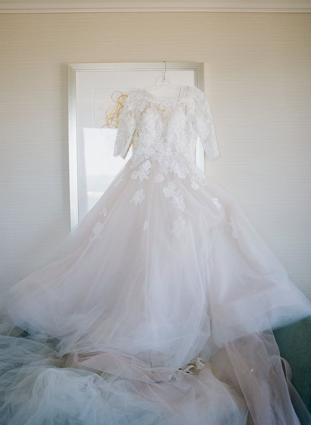 Simone Lennon Events Monique Lhuillier Gown Elizabeth Messina Wedding