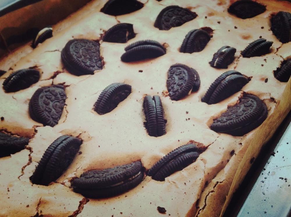 Brownie de Oreo al Carbón