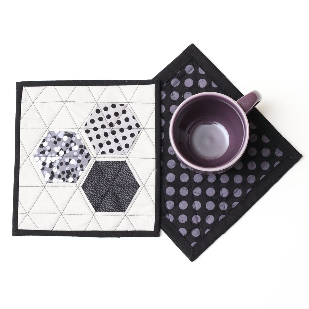MODERN HEXIES MUG RUG Tutorial from Modern Handwork