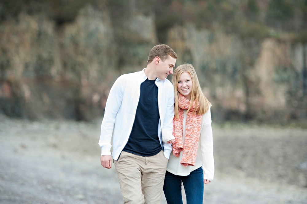 Fall-Engagment-Shoot-in-Hals-Harbour-NS033.jpg