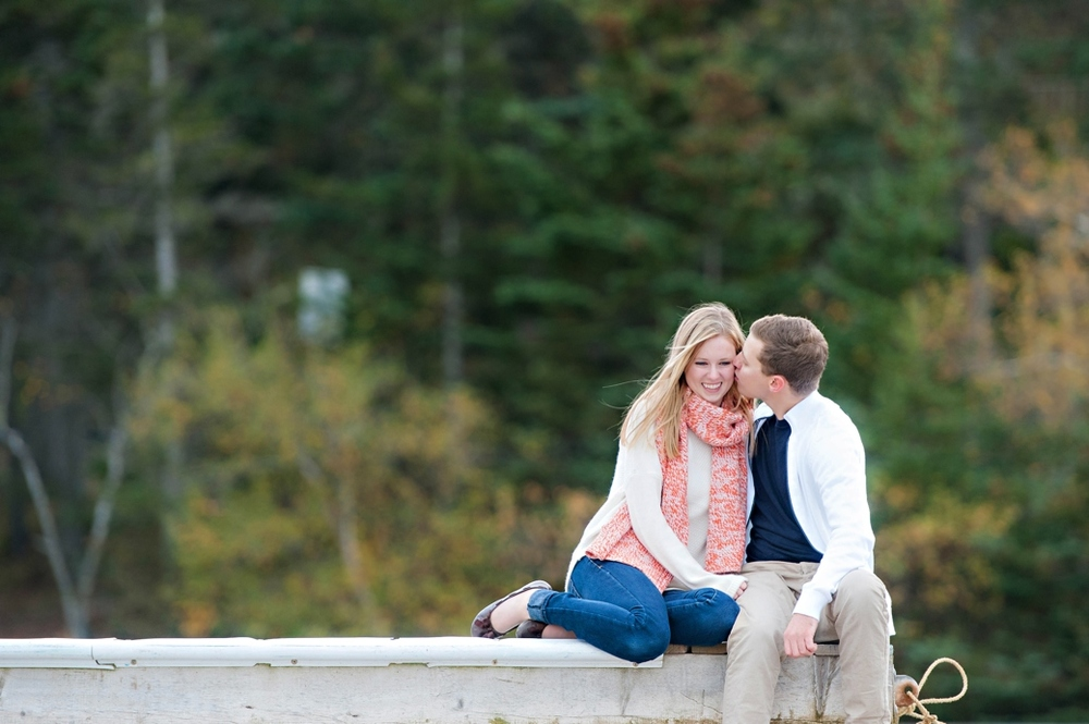 Fall-Engagment-Shoot-in-Hals-Harbour-NS048.jpg