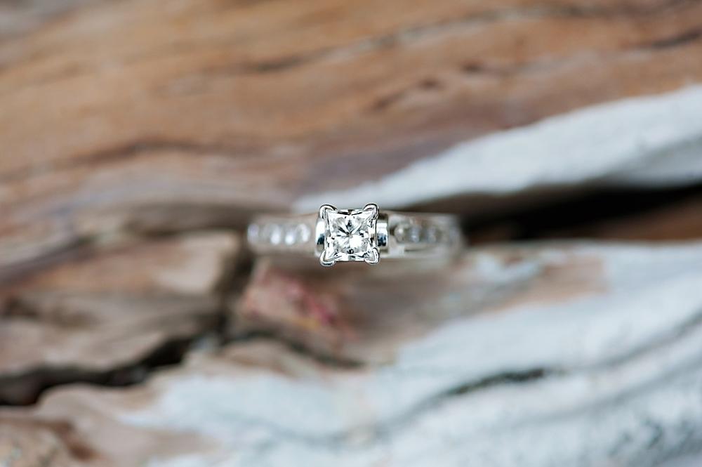 Nova-Scotia-Engagement-Photography_10.jpg