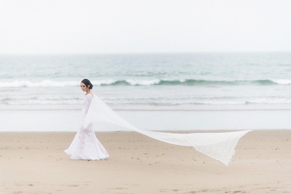 Windswept-Coastal-Bridal-Shoot-Beach-Inspiration002.jpg